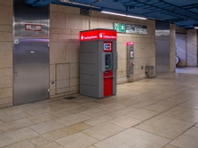 Sparkasse Geldautomat Olympia Einkaufszentrum (OEZ), U-Bahn Zwischengeschoss