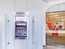 Sparkasse Geldautomat Dresden Wilder Mann